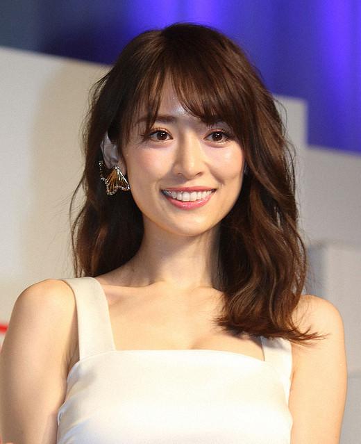 【芸能】泉里香、インスタに不思議で魅惑的なみかんショットを公開