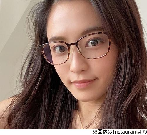 【芸能】小島瑠璃子のメガネ姿に絶賛