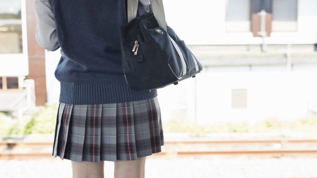 女子高生が好きなら制服まで好き←これ