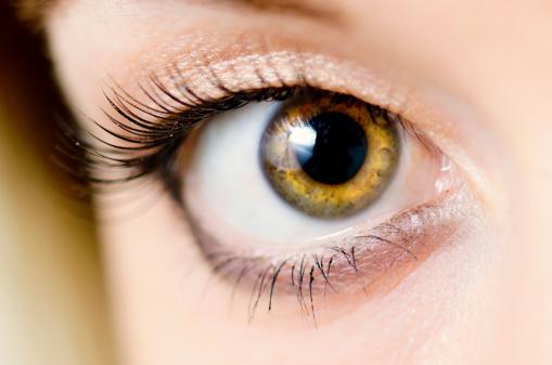 「黒目がちな女子」トレンドに変化の兆し、三白眼の芸能人が人気な理由